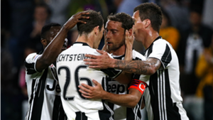 Juventus players celebrate Claudio Marchisio vs Genoa Serie A 23042017