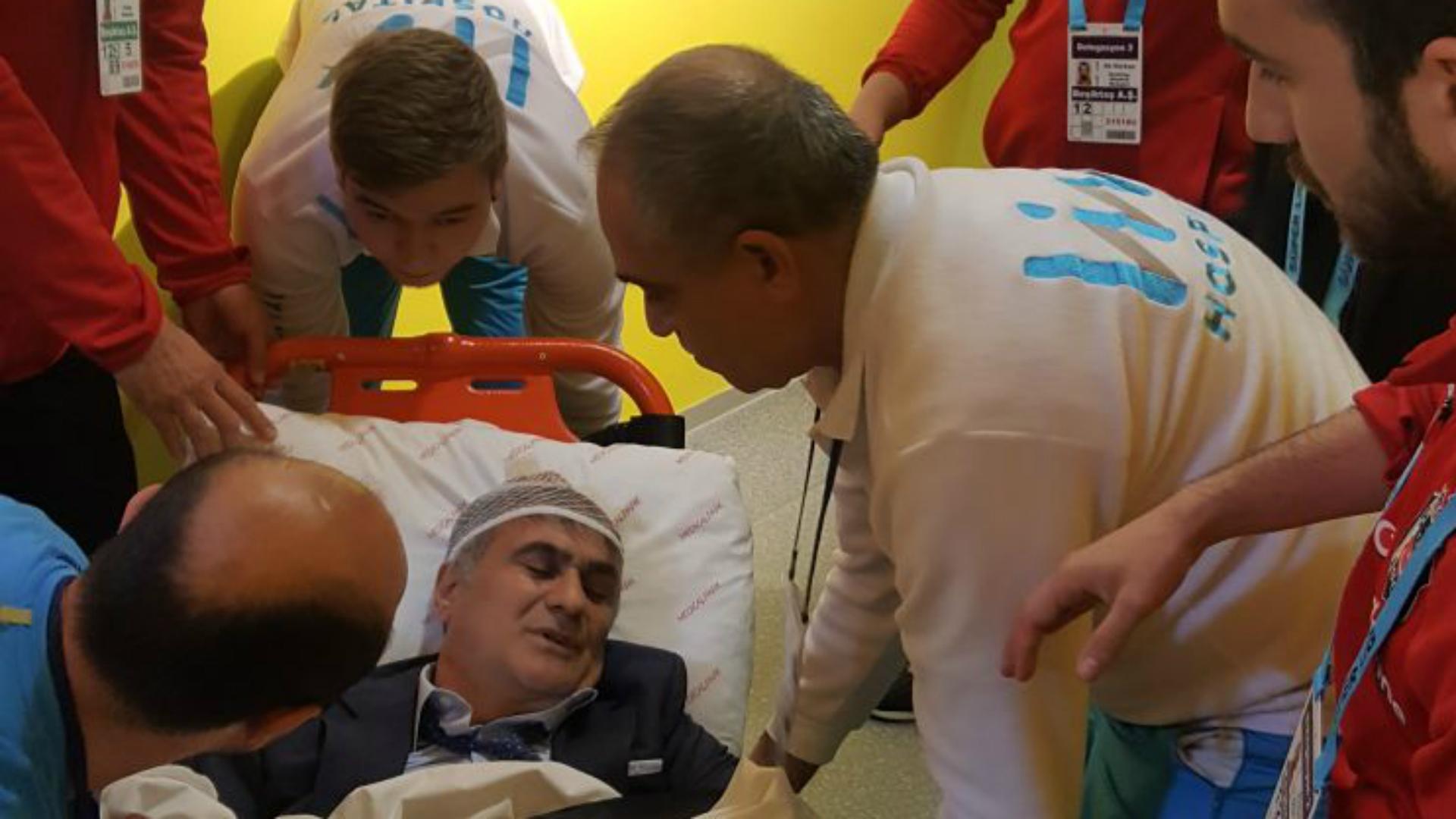 L'entraîneur de Besiktas touché à la tête, match arrêté