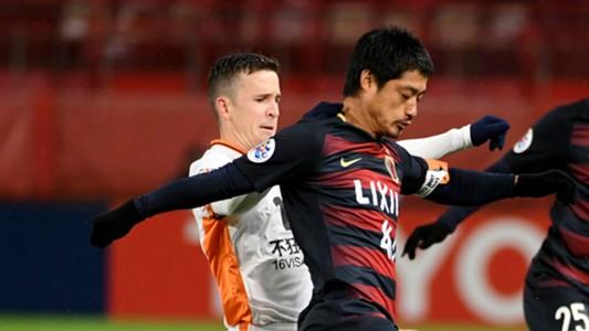Mitsuo Ogasawara Matt McKay Kashima Antlers v Brisbane Roar AFC Champions League 14032017