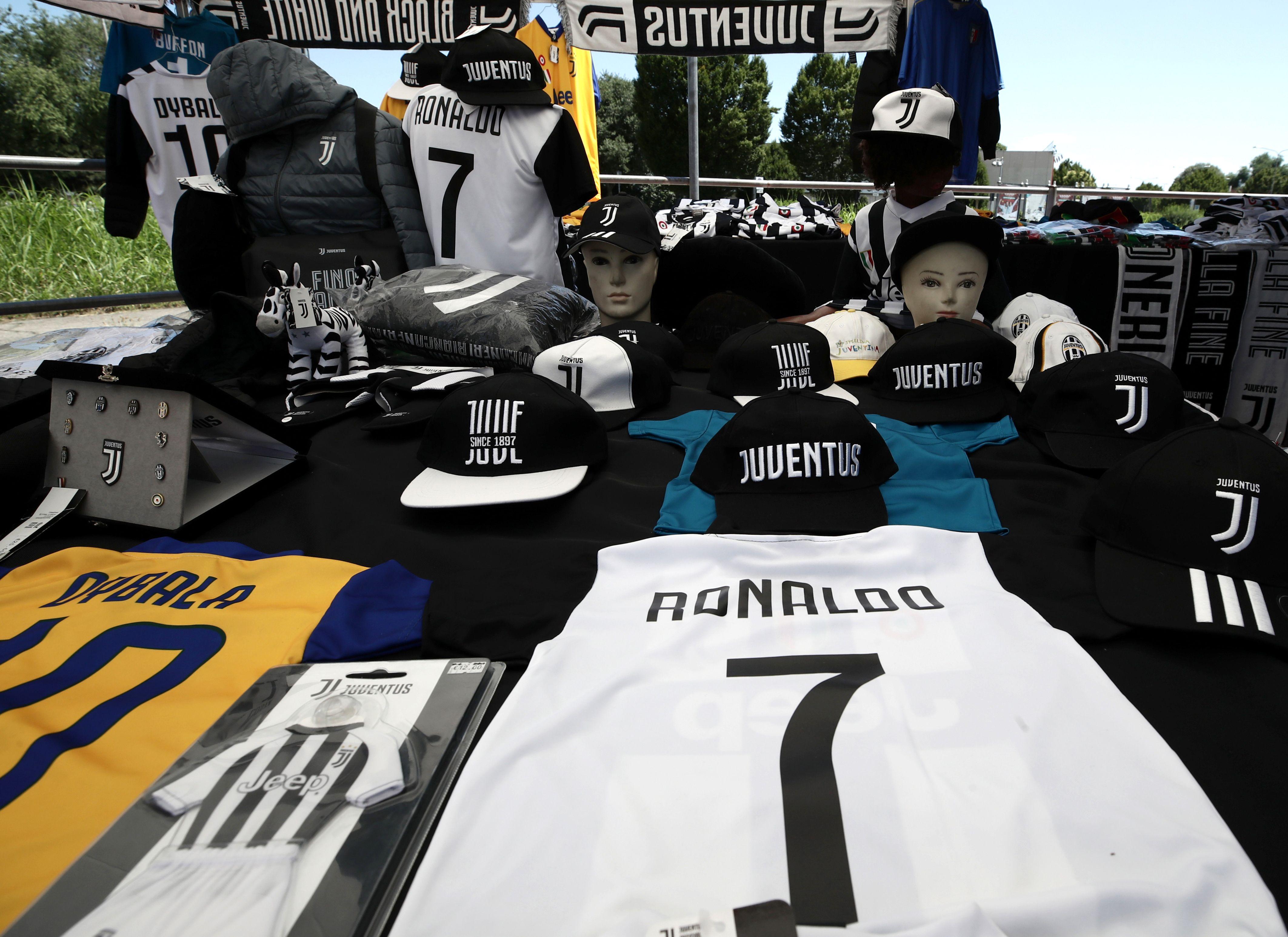 Ronaldo Juventus jerseys