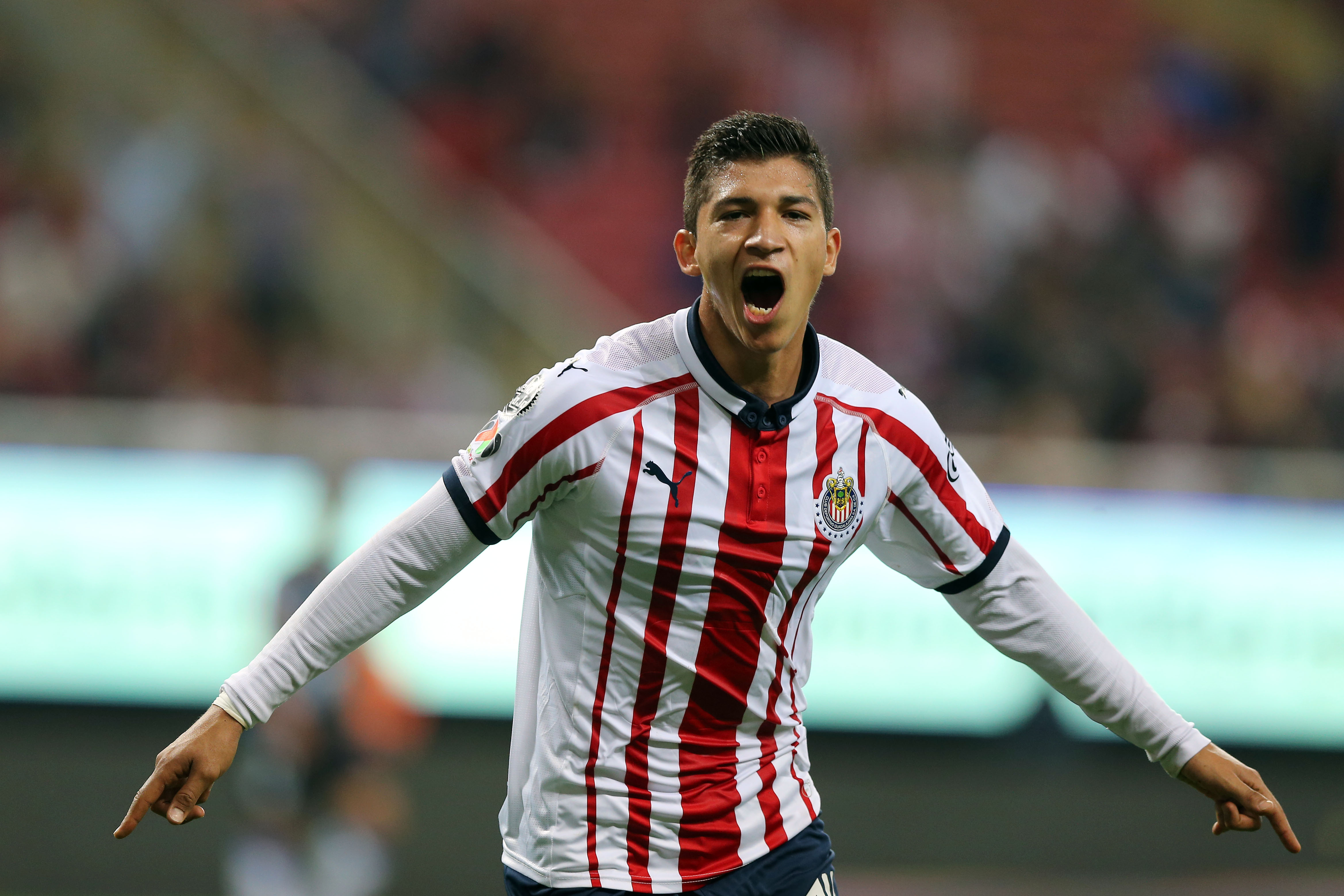 Chivas cubre salida de Zaldívar con llegada de Madrigal