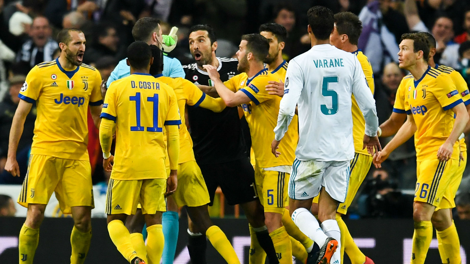 furious juventus confronted real madrid players match officials in tunnel goal com