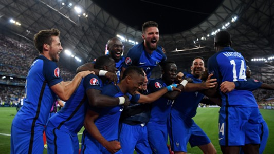 France celebrate vs Germany
