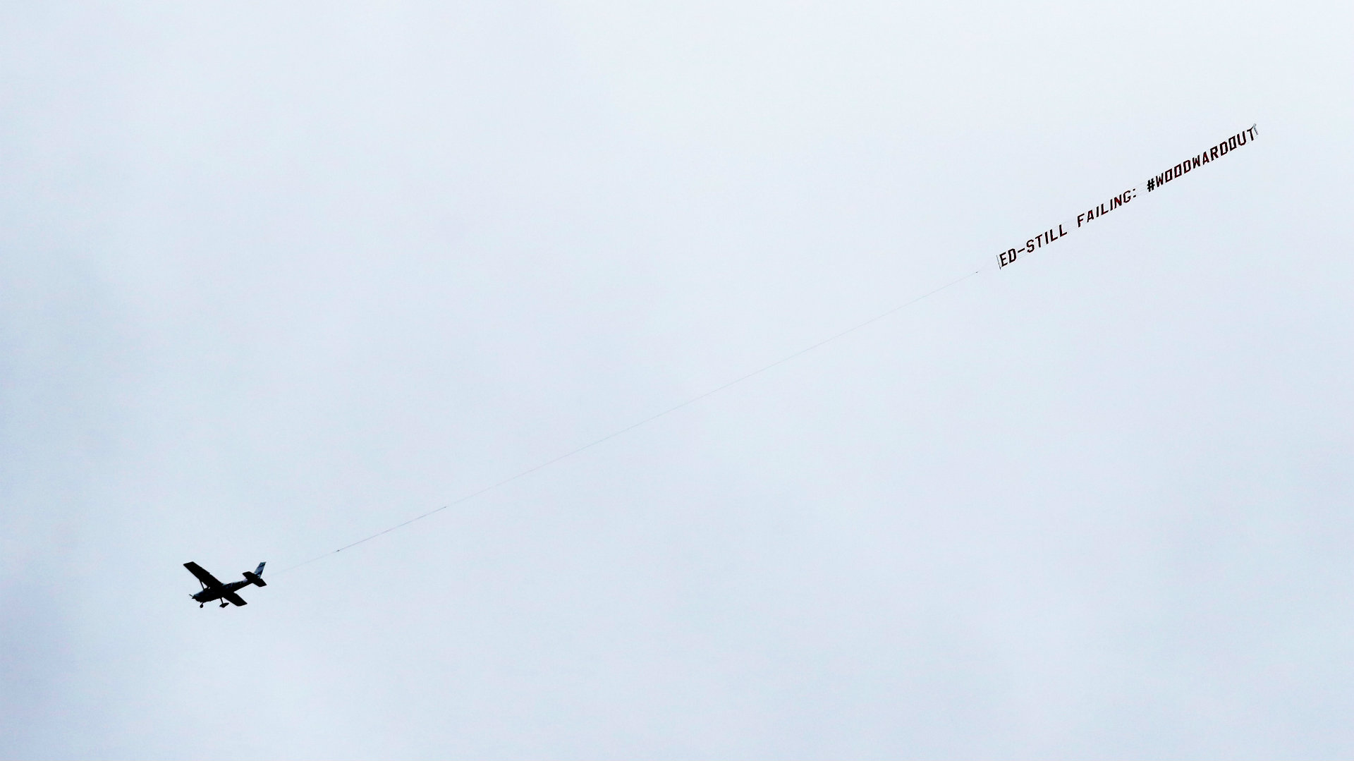 Ed Woodward plane protest Man Utd vs Liverpool 2019-20