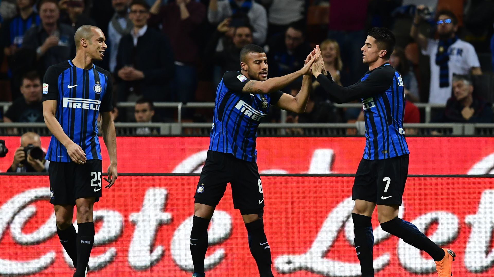 Joao Cancelo Miranda Rafinha Inter Cagliari Serie A
