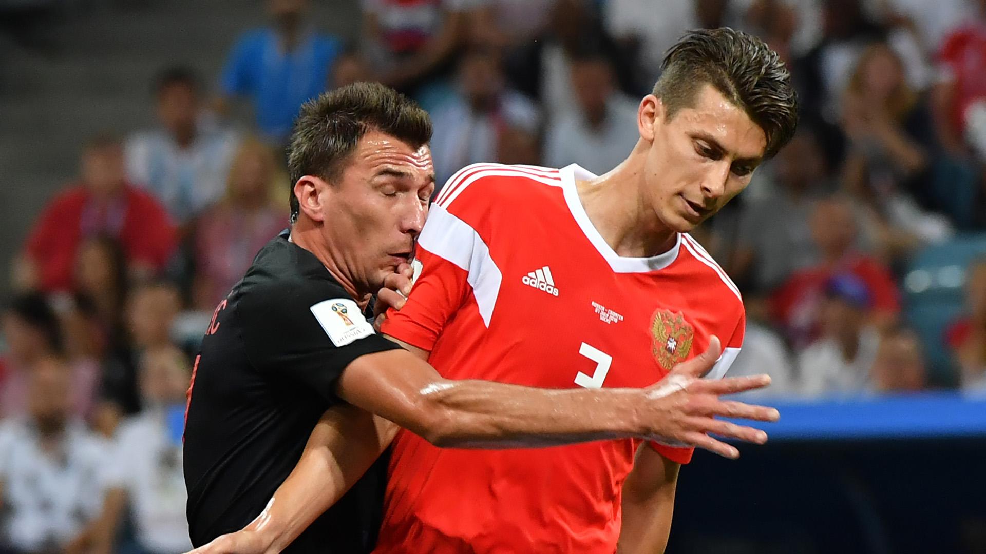 Mario Mandzukic Ilja Kutepov Russia Croatia World Cup 2018 070718