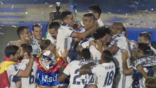 Real Madrid celebration hug