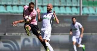 Thiago Cionek Borja Valero Palermo Fiorentina Serie A