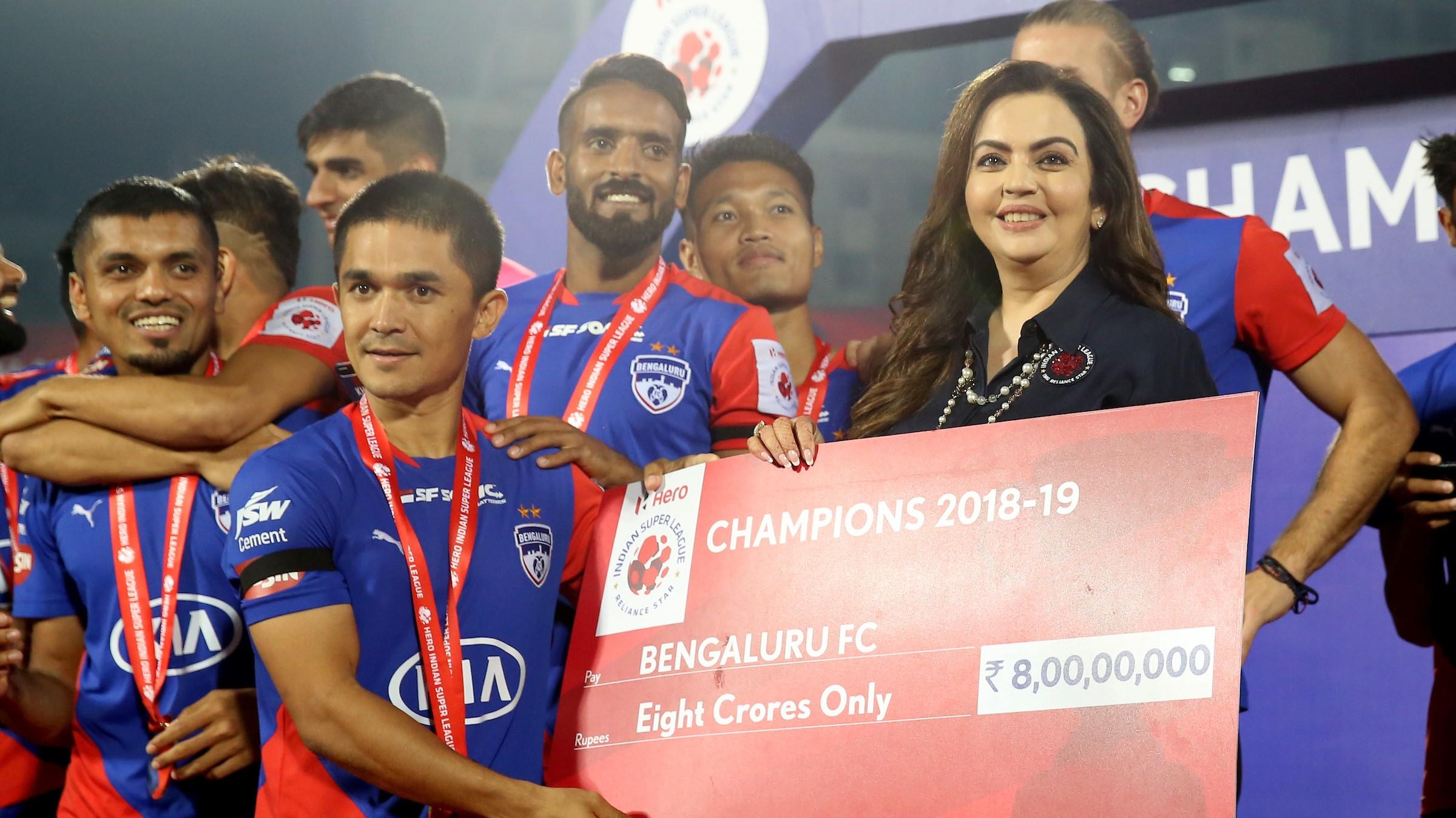 Sunil Chhetri Nita Ambani Bengaluru FC Goa ISL final