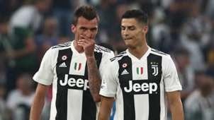 Mario Mandzukic Cristiano Ronaldo Juventus Napoli 2018-19