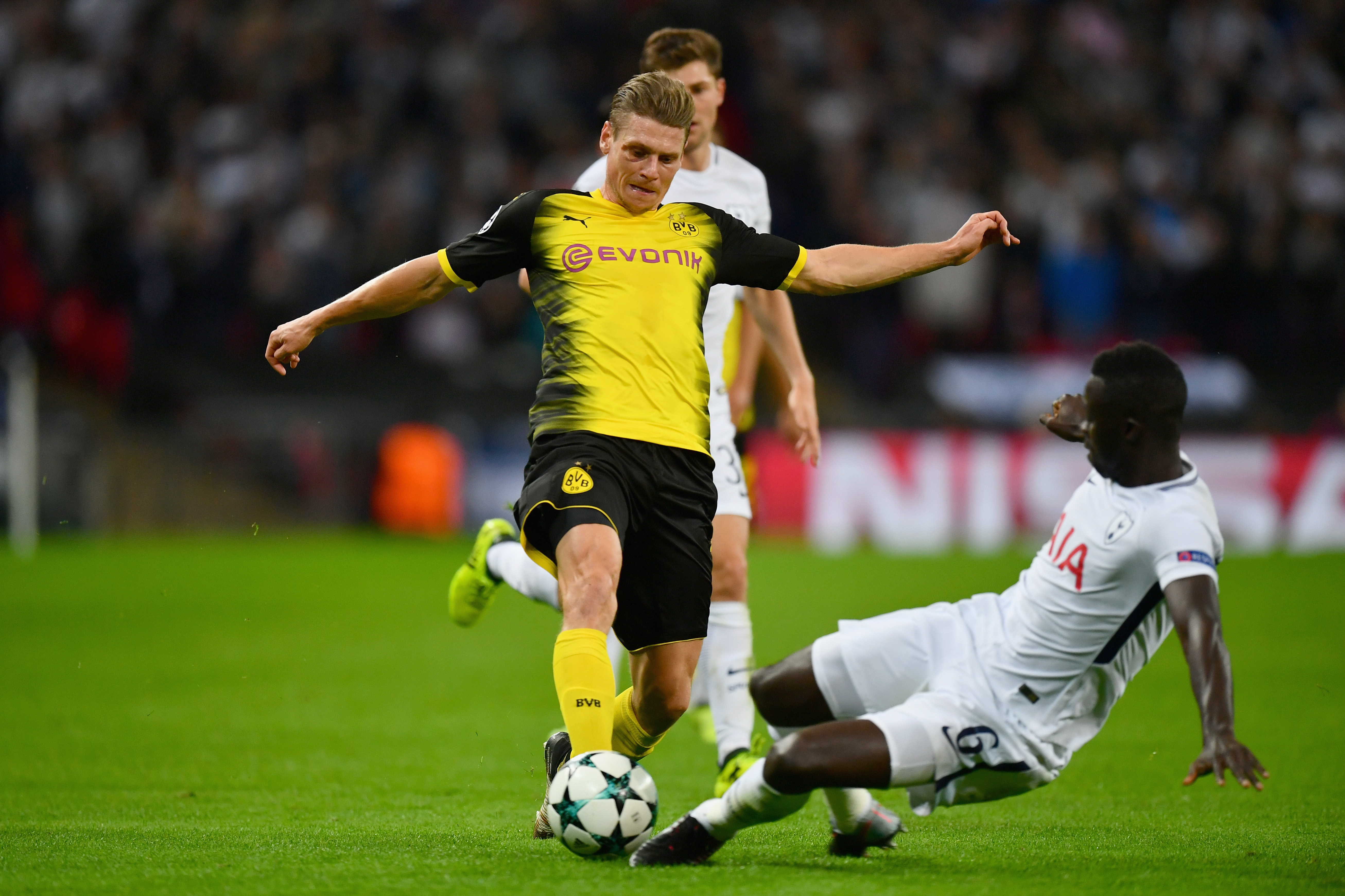Davinson Sánchez Tottenham vs Borussia Dortmund Champions League