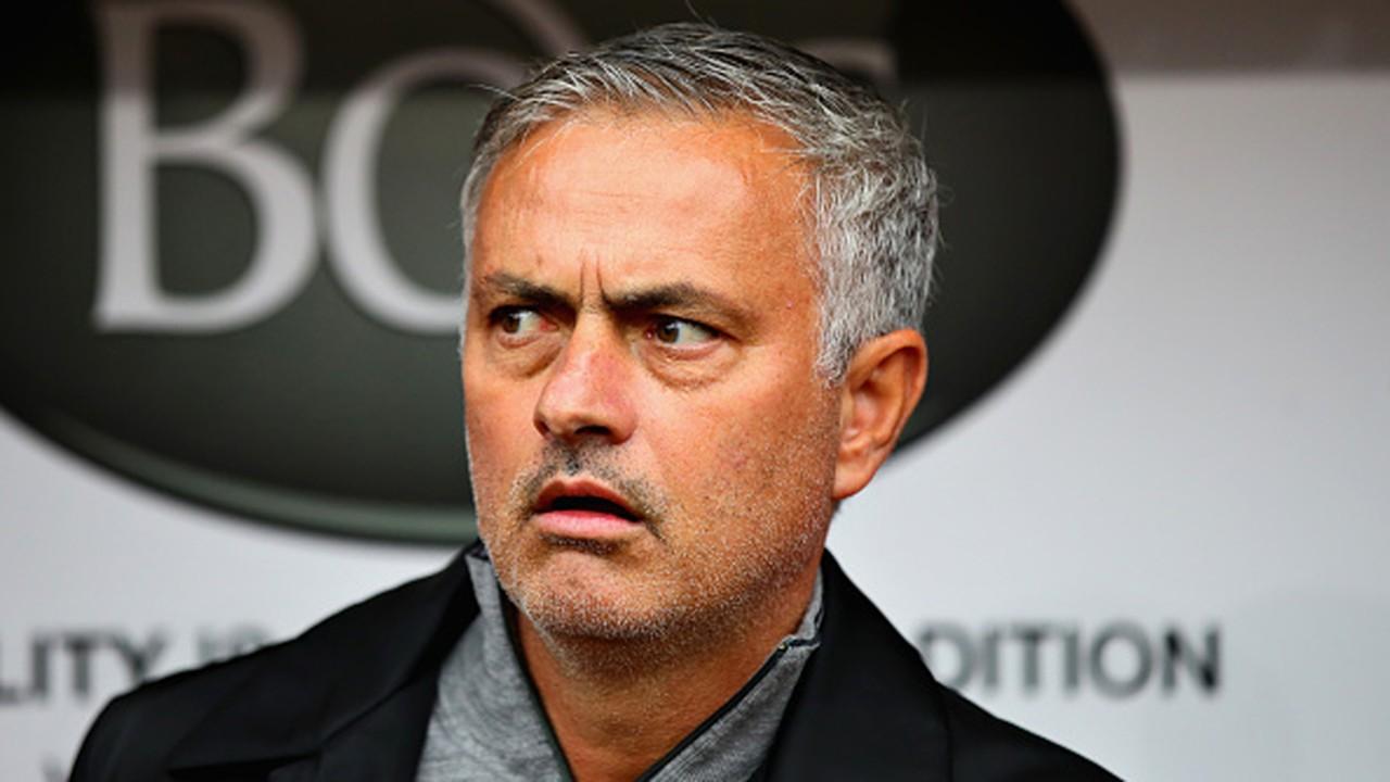 Mourinho's Man Utd handed injury 'surprises' ahead of trip to Chelsea