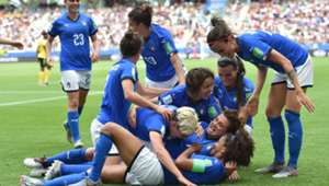 Italy players celebrating Jamaica Italy Women's World Cup