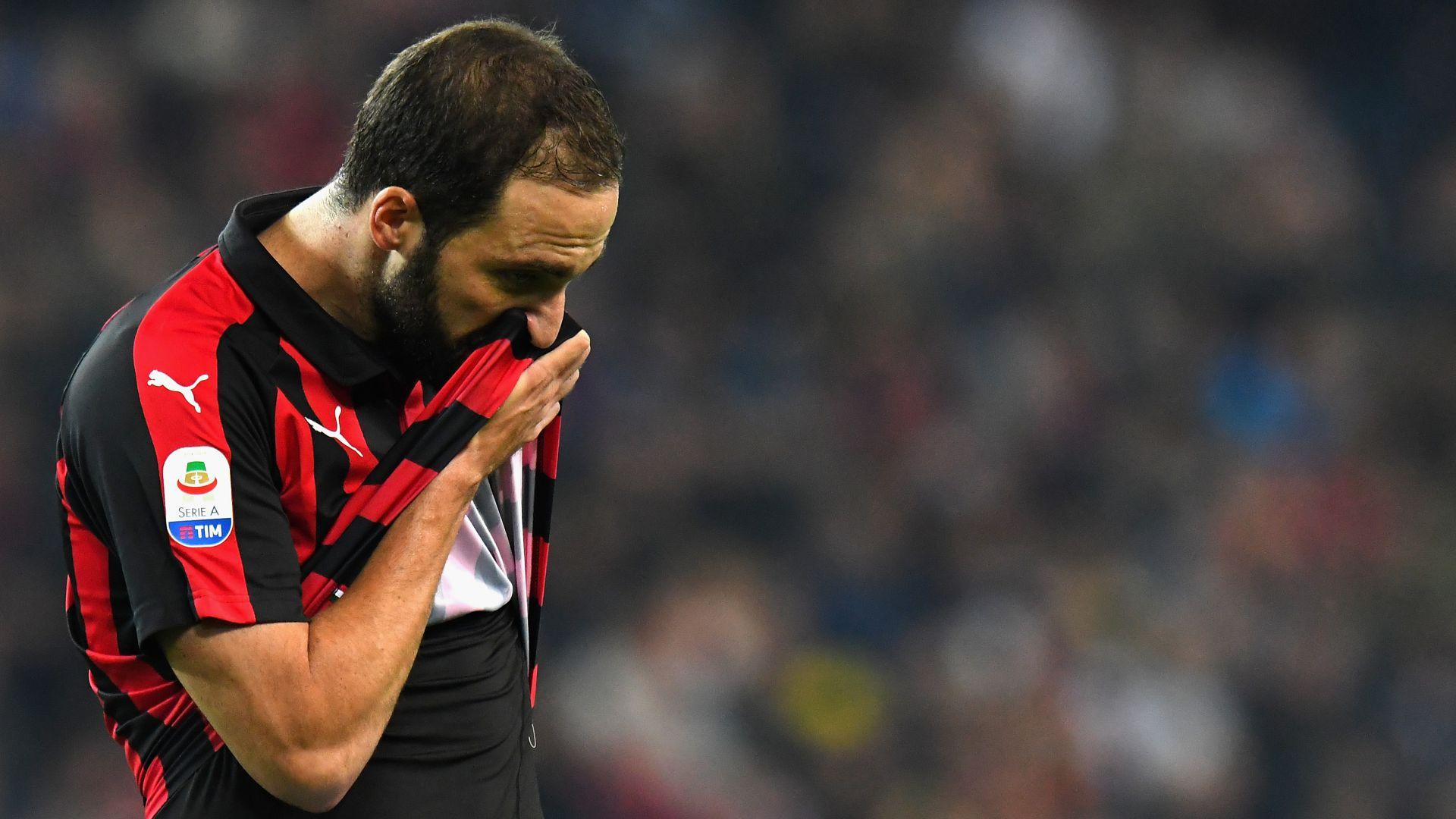 MILAN-JUVE, espulso Higuain! Il 'Pipita' salterà la Lazio dopo la sosta