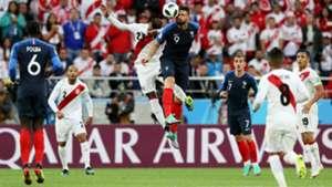 Olivier Giroud Pedro Aquino France Peru World Cup 2018 21062018
