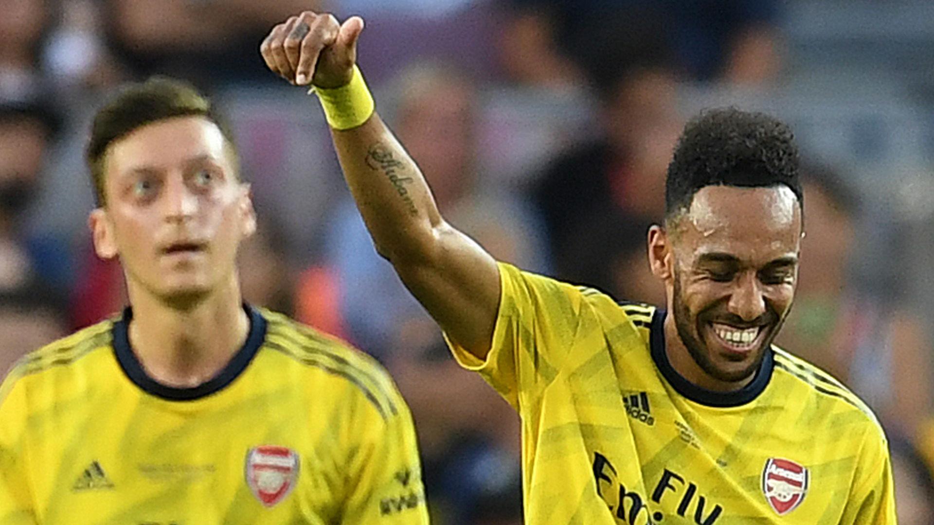Pierre-Emerick Aubameyang Mesut Ozil Arsenal