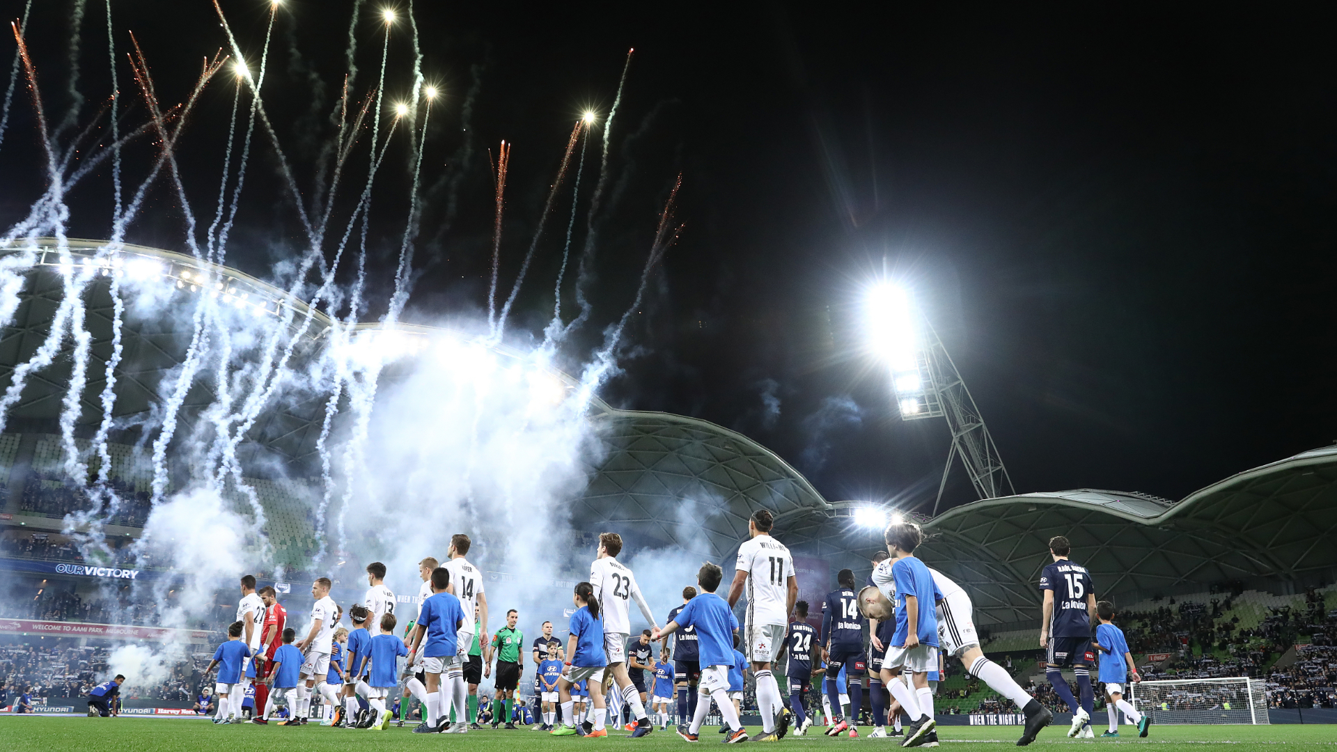 A-League finals fail to fire off the pitch