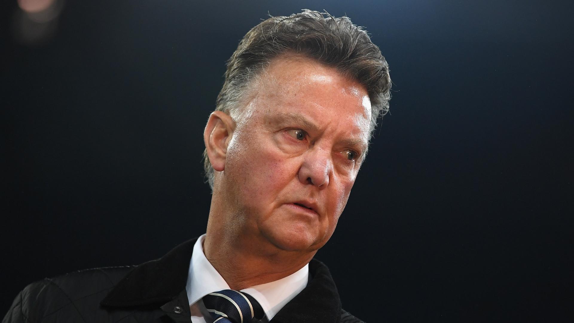 Chelsea News: 'Louis Van Gaal Should Not Talk About