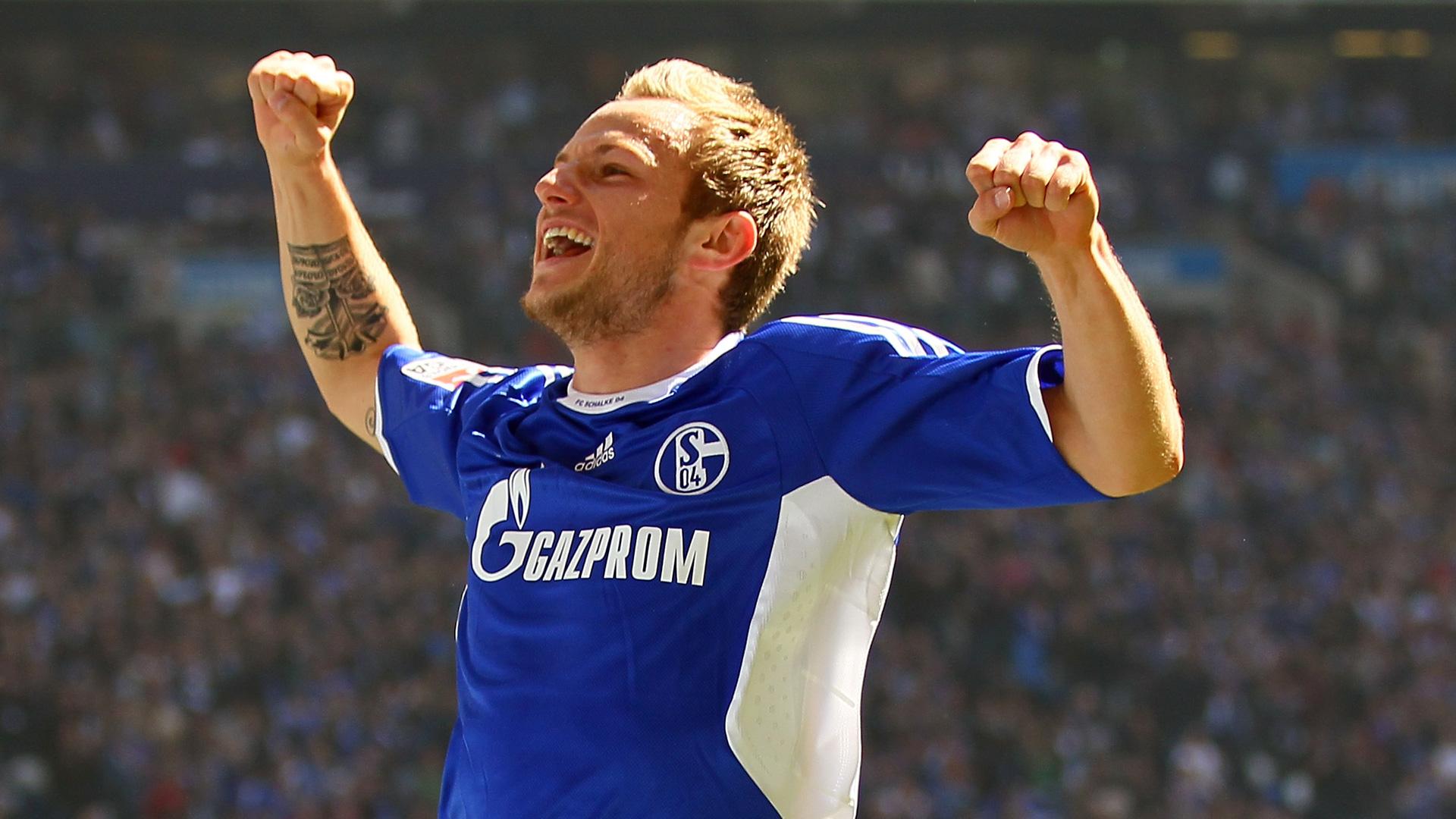 Ivan-Rakitic-Schalke-04