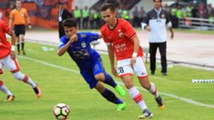 Rezaldi Hehanusa - Persija & Dedi Kusnandar - Persib Bandung