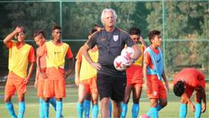 Luis Norton de Matos India U17 training