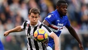 Duvan Zapata Lichtsteiner Sampdoria Juventus Serie A