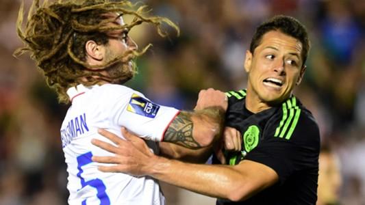 Chicharito Kyle Beckerman USA Mexico 10102015