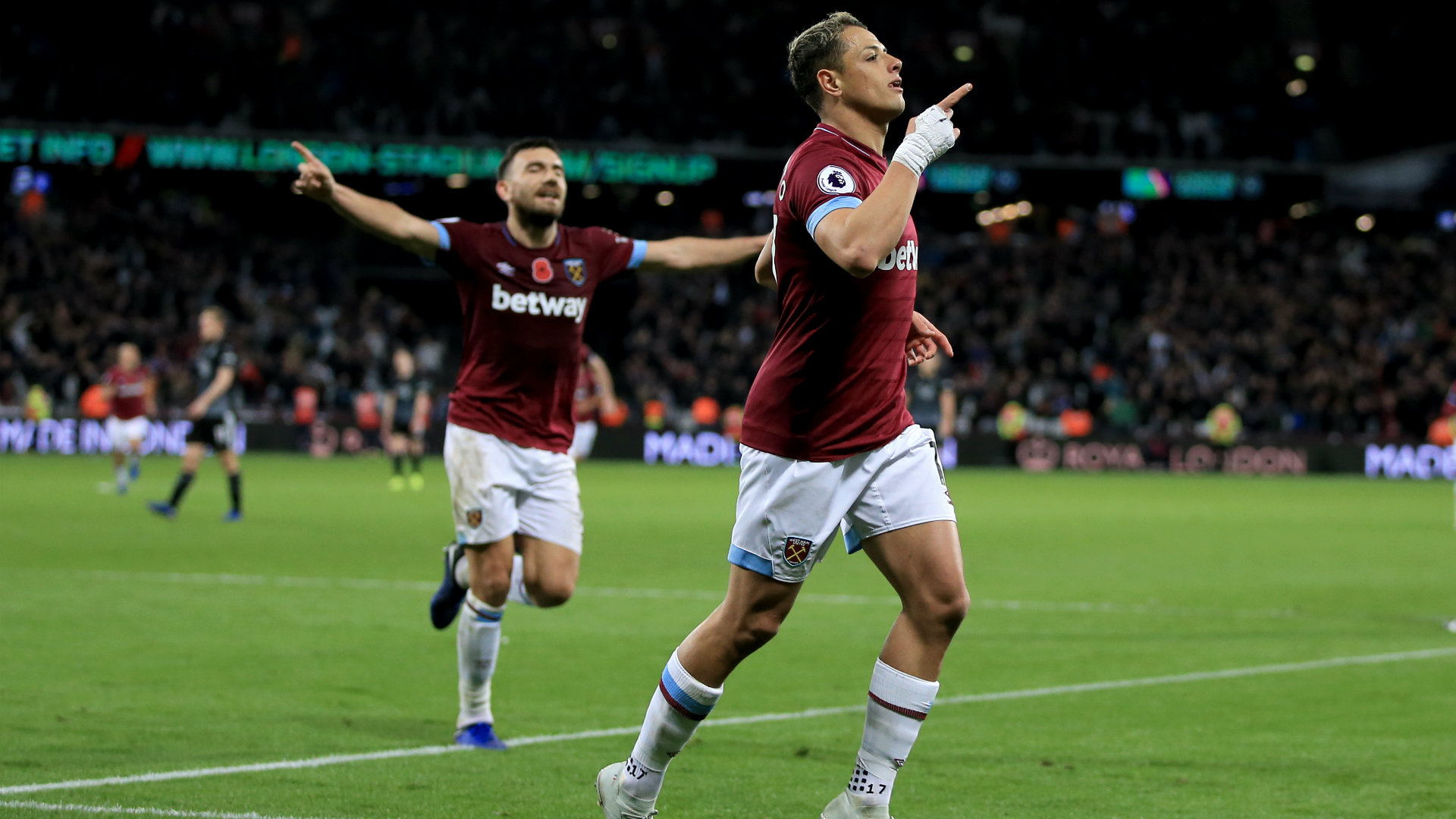 Chicharito West Ham Premier League