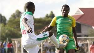 Patillah Omotto of Kariobangi Sharks v Mathare United.