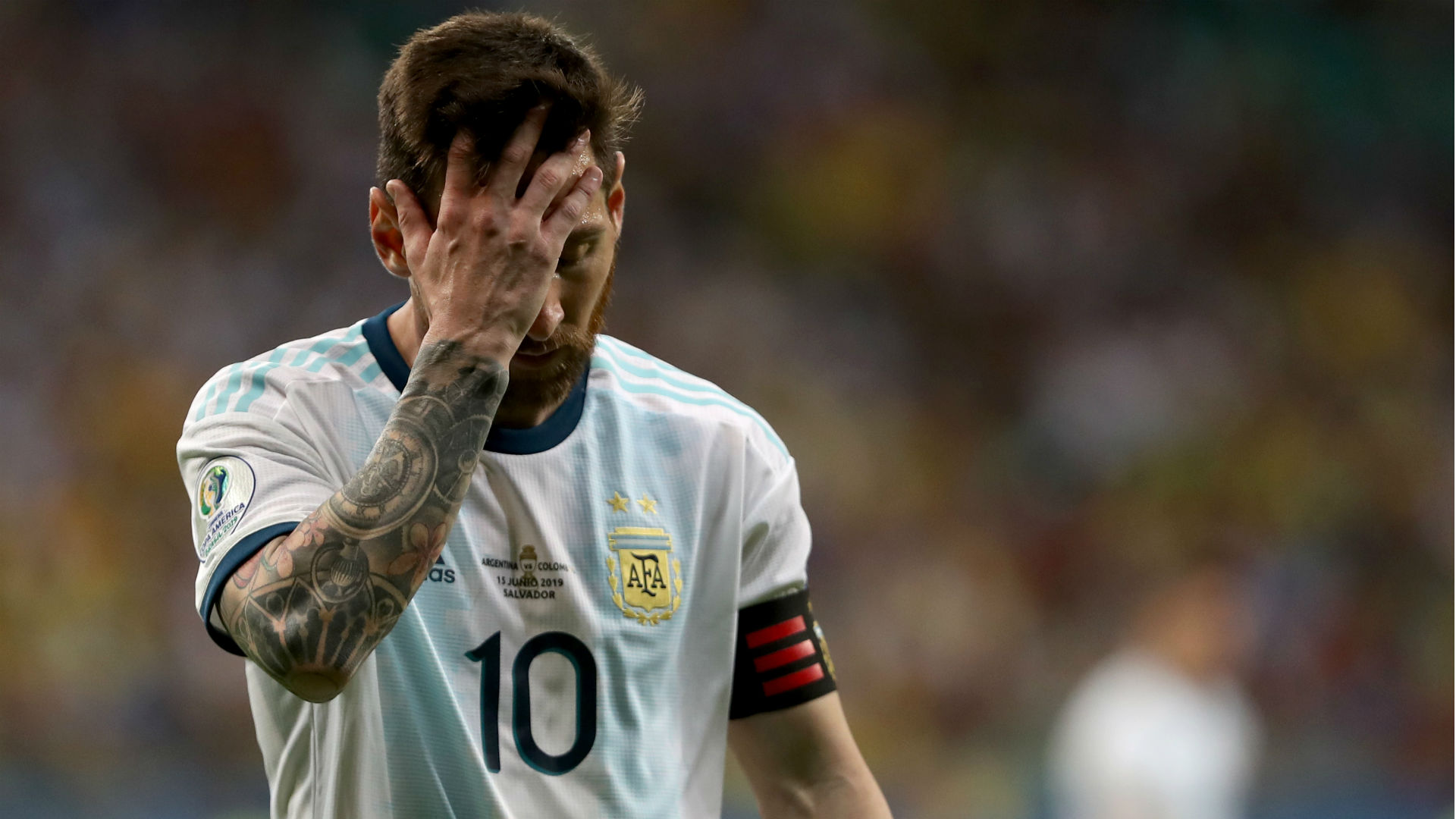 Scaloni criticises pitch after Argentina defeat