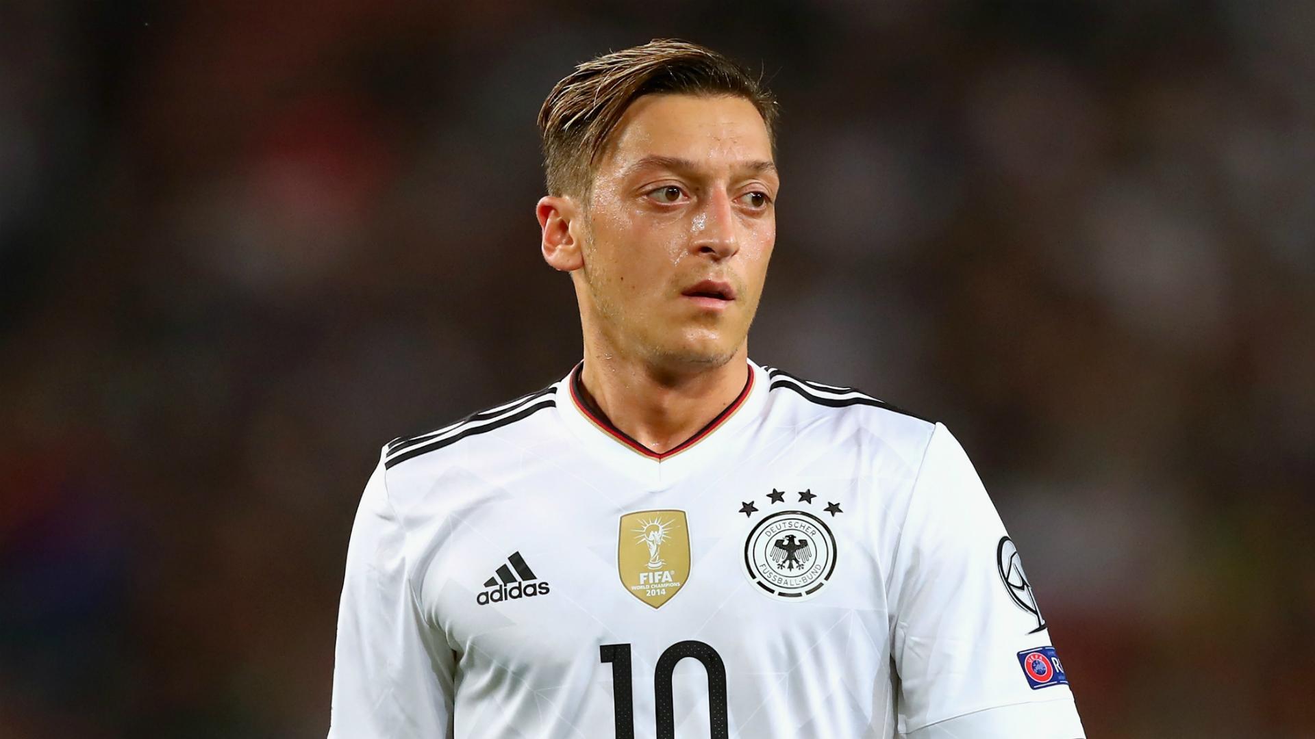 Arsene Wenger confirms €100m Thomas Lemar bid, plans another offer