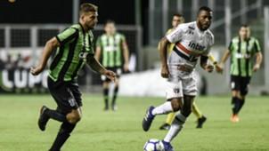 Rafael Moura e Jucilei - América-MG x São Paulo - 27/05/2018