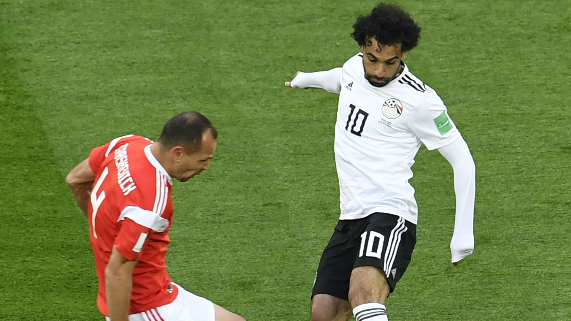 Sergey Ignashevich Russia Mohamed Salah Egypt World Cup