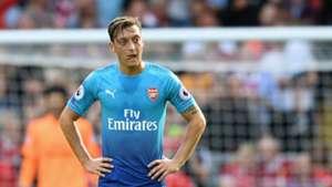 Özil Arsenal Liverpool 082717