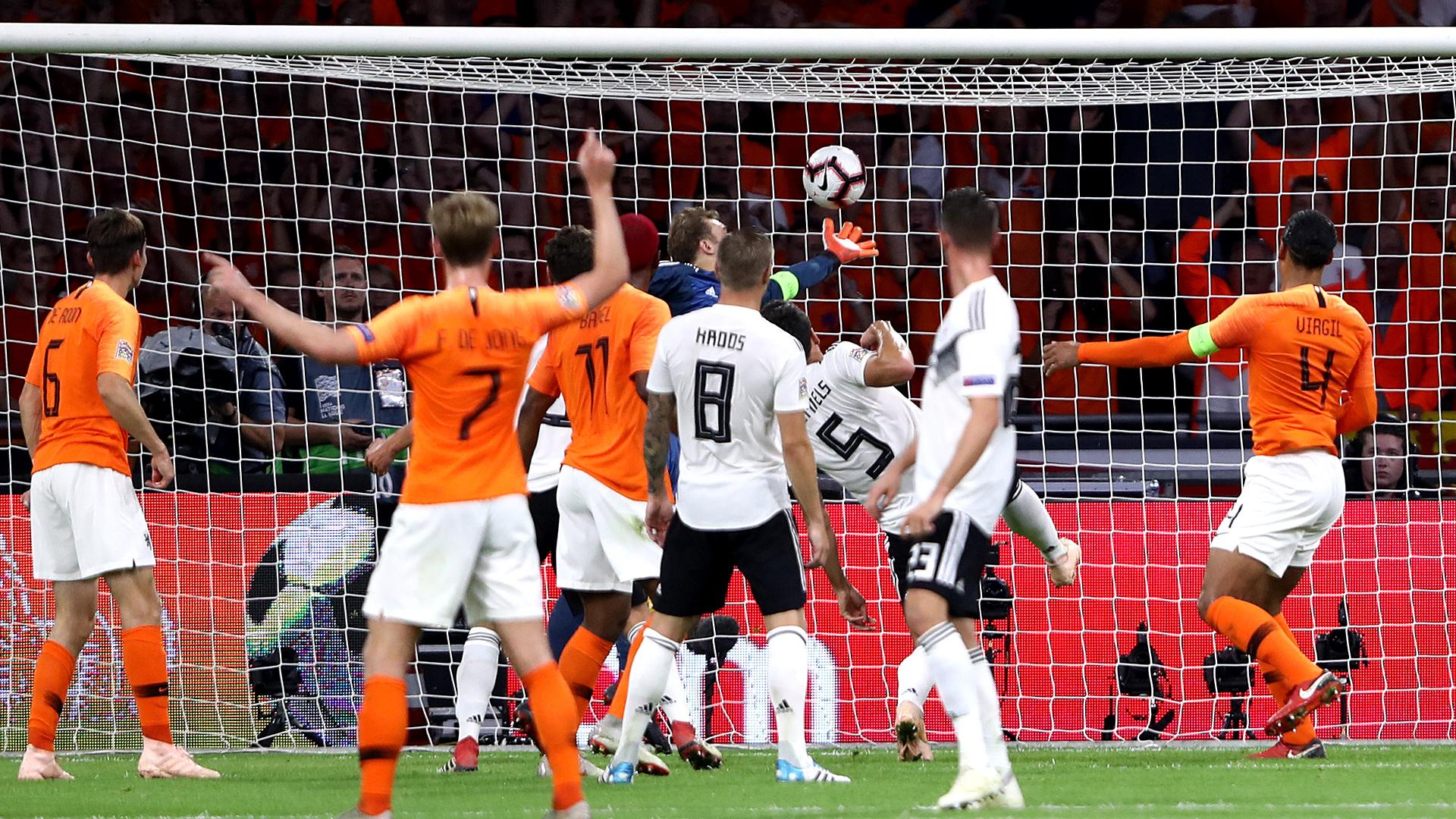 L'Allemagne dans le doute après sa défaite aux Pays-Bas