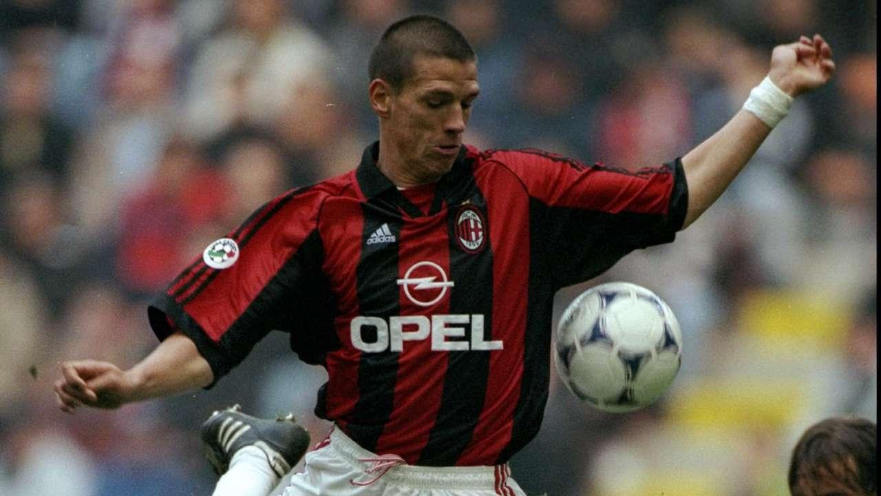Da Kluivert a Kalinic: gli acquisti flop del Milan   Goal com