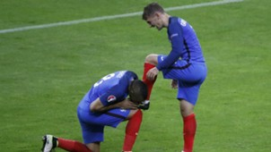 Griezmann Payet France Iceland Euro 2016 QF 07032016