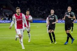 Huntelaar happy - Ajax Groningen