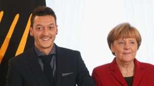Merkel Özil 10112014