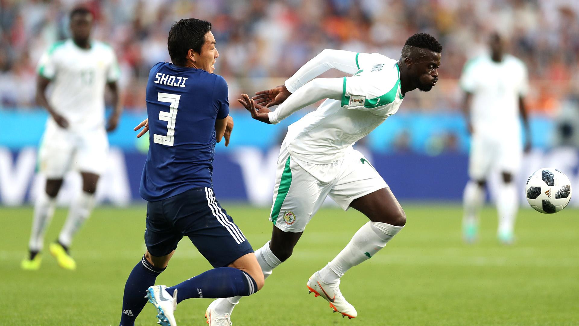 Mbaye Niang Gen Shoji Senegal Japan World Cup