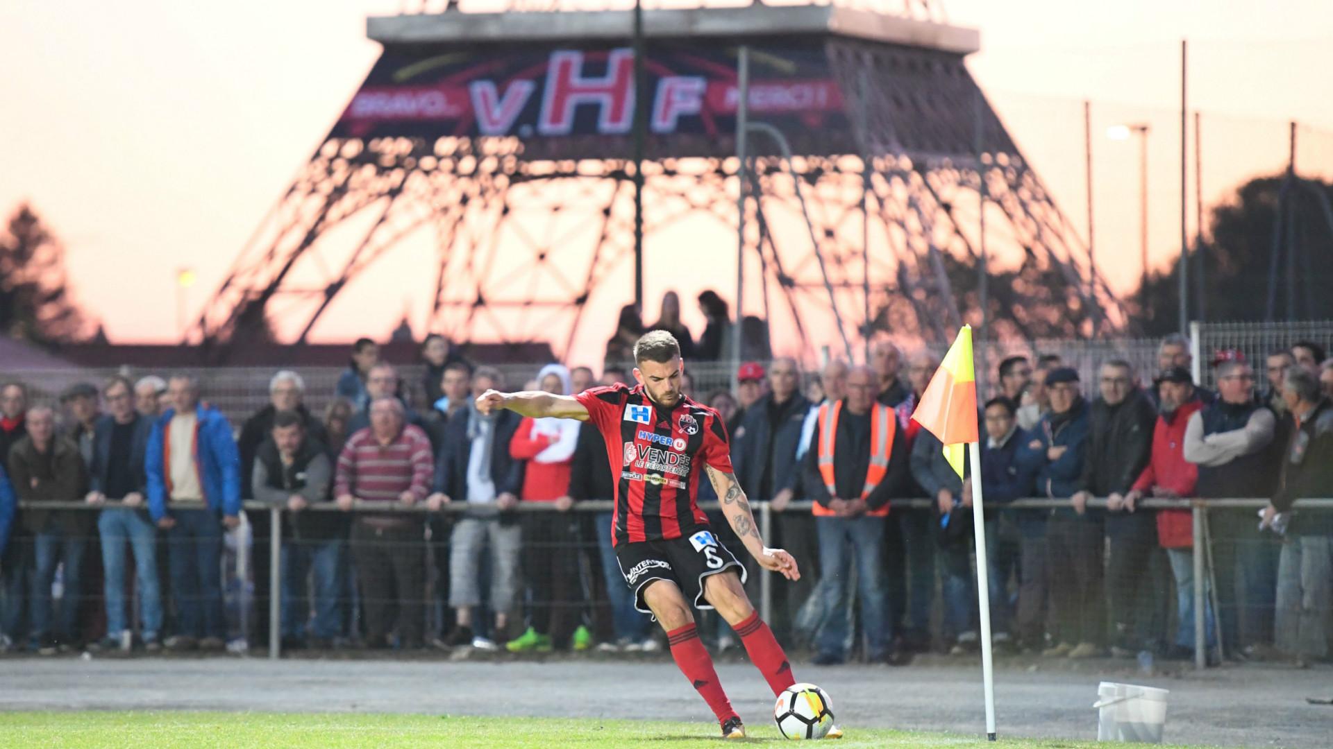 Thiago Silva invites Les Herbiers skipper to lift Coupe de France trophy