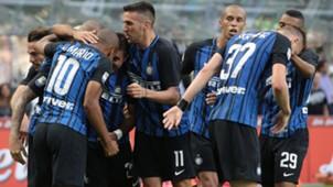 Inter celebrating vs Genoa
