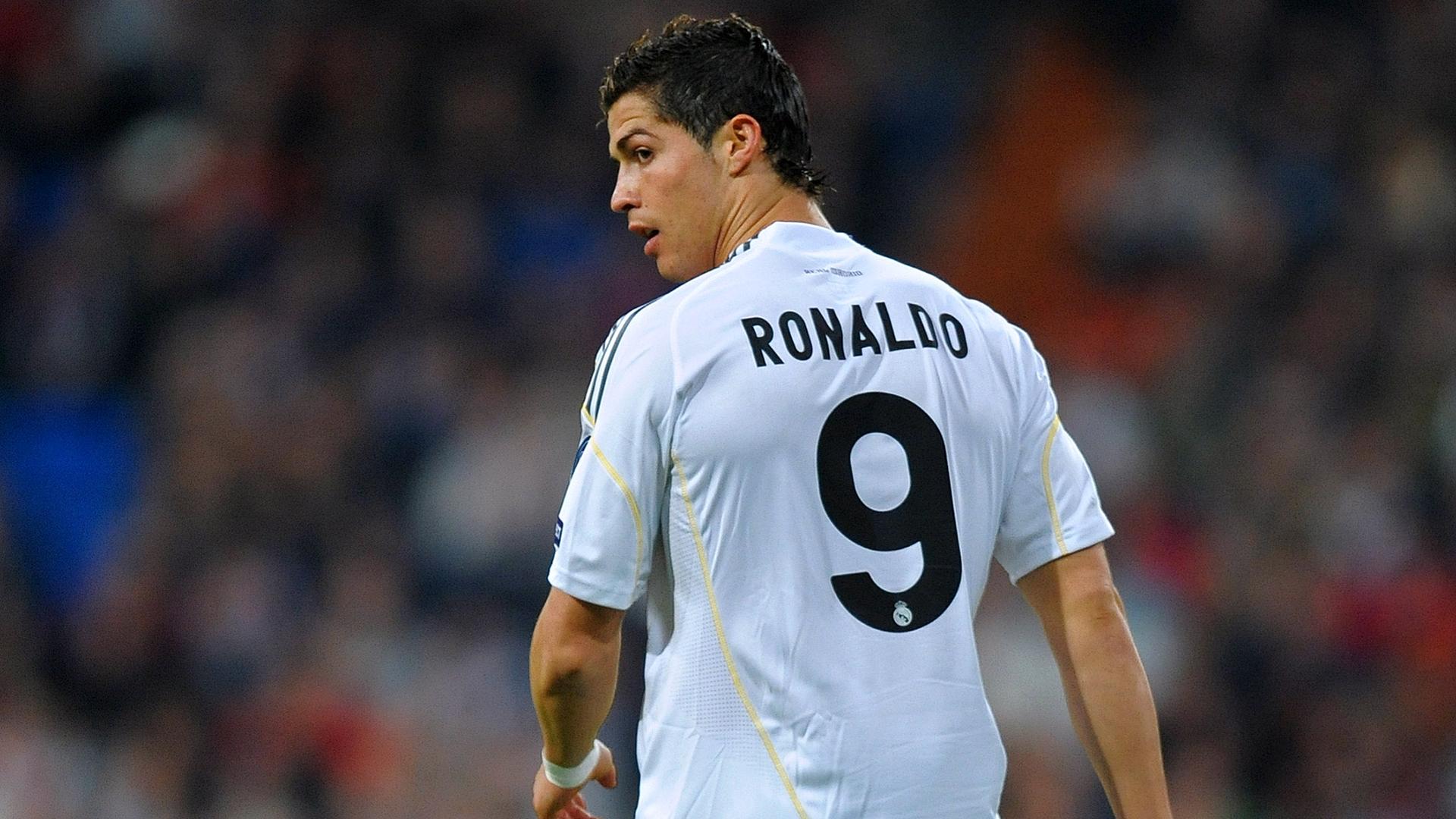 Why does Cristiano Ronaldo wear the No.7 shirt   994d57cda