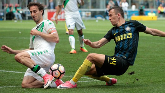 Ivan Perisic Simone Missiroli Inter Sassuolo Serie A