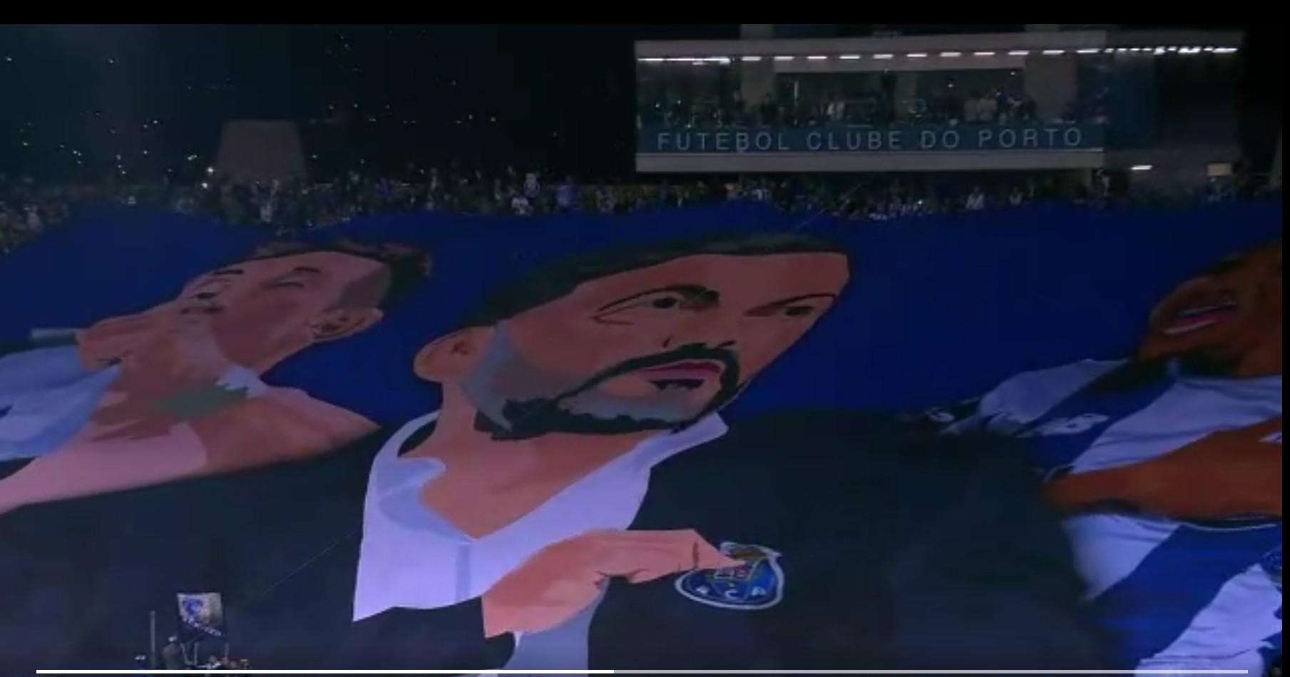Tifo Héctor Herrera Porto