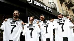 new concept 7835a c378b Cristiano Ronaldo to Juventus: CR7 gifted No.7 shirt by Juan ...