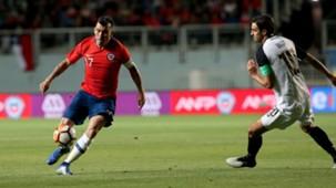 161118 Chile Costa Rica Gary Medel Bryan Ruiz
