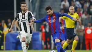 Lionel Messi Miralem Pjanic Juventus Barcelona