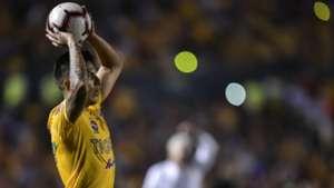 Carlos Salcedo Tigres 280519