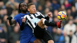 Chelsea - Newcastle: Victor Moses, Dwight Gayle